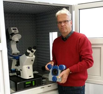 Dr Stefan Kaemmer, JPK's new General Manager, US Operations, with the NanoWizard® AFM system