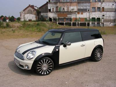 Mini Clubman mit Smoor Cosmic 7,5x17