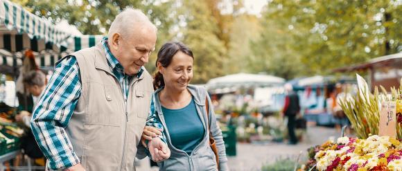 Pflegebedürftige haben Anspruch auf die Versorgung mit Hilfsmitteln. B. Braun kann fünf verschiedene Pflegeboxen mit ihren Qualitätsprodukten und zusätzlichen Premium Leistungen anbieten. www.pflegebox-premium.de © B. Braun Melsungen AG