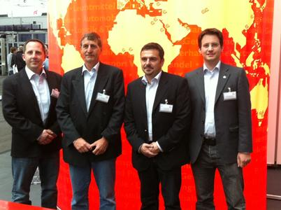 Vertreter der Gebhardt Group GmbH & Co. KG (v. l. n. r.): James Kappele (Gebhardt USA), John Bower (Gebhardt European Conveyor Systems), Jacques Adem (Gebhardt Middle East) und Marco Gebhardt (Geschäftsführer Gebhardt Fördertechnik GmbH)