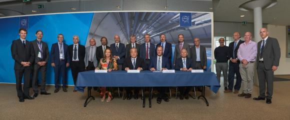 Vertragsunterzeichnung CERN