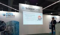 SEEPEX Experte bei einem Vortrag auf der Pumps & Valves Dortmund.