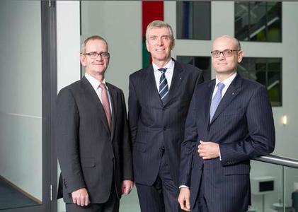 From left to right: Dr. Christoph Schlünken, Dr. Matthias L. Wolfgruber, Martin Babilas