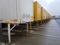 Hohe punktuelle Belastungen treten nicht zuletzt beim Abstellen von Lkw-Anhängern und Containern auf. Die notwendige Stabilität lässt sich mit Rapid Set Reparaturmörteln innerhalb weniger Stunden erzielen