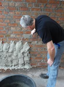 Der Sotano Sperrputz hat die Aufgabe, feuchte Wände von innen abzudichten und Schimmelbefall zu verhindern. Foto: SOTANO GmbH, Hemer