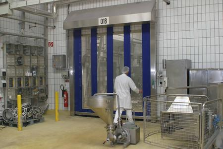 Schnelllauftore schützen Lebensmittelproduktion