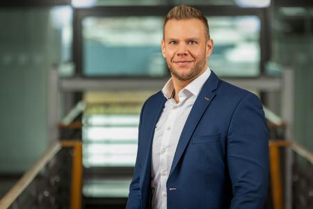 Tobias Neumann übernimmt die operative Vertriebsleitung der xSuite Group für den deutschsprachigen Raum. Foto. xSuite Group