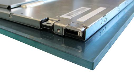 """8,4"""" TFT-Display mit gebondetem 6mm Schutzglas, Bildquelle/Copyright: Distec GmbH"""