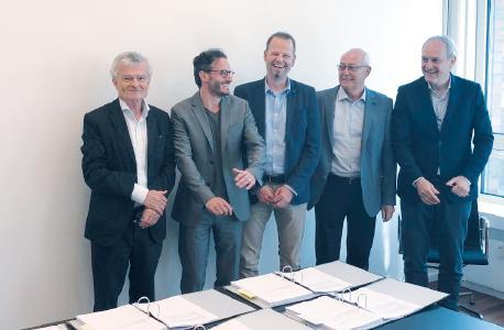 V.l.n.r.: Peter Fischer (Inhaber), Thomas Farkas (Group VP Corporate Strategy & Development), André Tausche (Geschäftsführer FTCAP GmbH), Michael Tausche (Inhaber), Massimo Neri (VP, Mersen Europe)