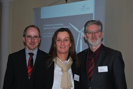 Der neue Vorstand (von links nach rechts): Volker Köhne (GL Garrad Hassan), Renate Duggen (Rendsburg Port Authority), Asmus Thomsen (VR Bank Niebüll) (Foto: windcomm)