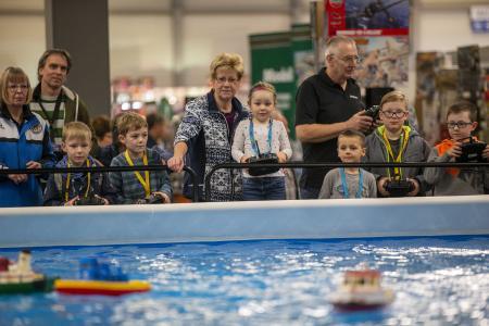 Steuermannpatent für Kids - Angebot der Schiffsmodellbaufreunde Bayreuth e.V. (c)Michael Kremer/SnapArt