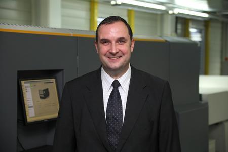 Vlada Mihailovic, seit 2006 Geschäftsführer der SOPAG, hat das Unternehmen mit einer Fülle größerer und kleinerer Maßnahmen auf wirtschaftlichen Erfolg getrimmt und wechselt noch im Frühjahr 2012 als Geschäftsführer zu Ringier Print Adligenswil