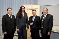 (v.l.) Hans-Dieter Wysuwa, Silvia Semidei, Geschäftsführerin Campus International, Harald Lemke, Prof. Dr. Winfried Schlaffke