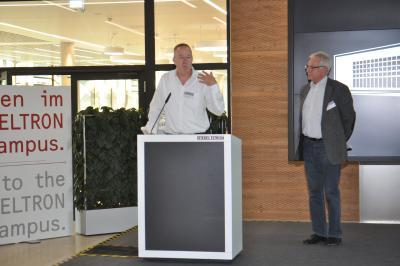Dr. Nicholas Matten, der neue Geschäftsführer für Vertrieb und Marketing, wurde vom Vorsitzenden der Geschäftsführung, Rudolf Sonnemann (rechts), vorgestellt und erläuterte anschließend seine Ziele für das Unternehmen