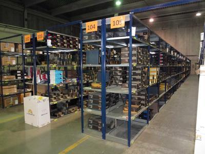 Auf 600 Quadratmetern lagern im Logwin-Warehouse in Barcelona Produkte des spanischen Sportartikel- und Outdoorspezialisten Snow Factory.