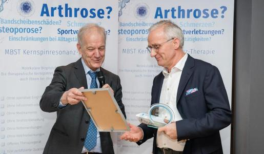 MedTec-Geschäftsführer Axel Muntermann mit Dr. med. Rene Toussaint