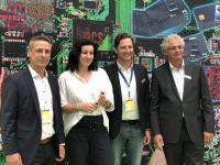 Staatsministerin für Digitalisierung, Dorothee Bär, MdB im Gespräch mit den Geschäftsführenden Gesellschaftern Steffen Berger und Daniel Vogler, ZMI, sowie Walter Elsner, Geschäftsführer PCS Systemtechnik, auf dem PCS Partnerstand in Halle 17, Stand B40, CEBIT 2018.
