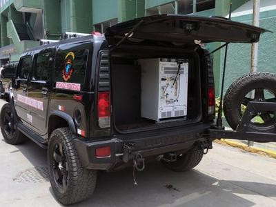 Base station DIB-R5 integrated in Hummer