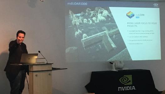 Sven Jürß, Microdrones, hält einen Vortrag zur mdLiDAR1000