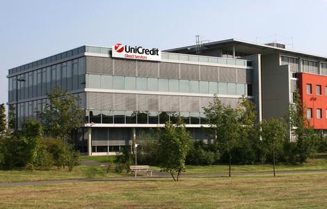 UniCredit Direct Services GmbH - mehr als 10 Mio. Kundenkontakte im Jahr 2009
