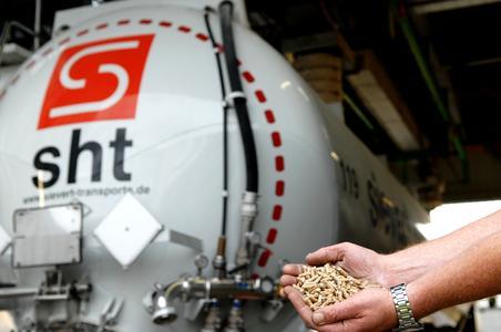 Sievert Handel Transporte steigt mit EC Bioenergie GmbH aus Heidelberg in die Pelletlogistik ein