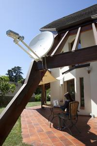 Tooway Installed antenna. Copyright Olivier Pascaud for Eutelsat