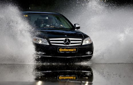 """ContiSportContact 5 wird von auto motor und sport mit """"sehr empfehlenswert"""" bewertet"""