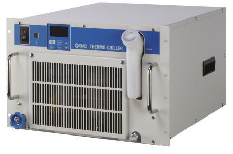 Sparen Platz und bleiben cool: Die neuen Kühl- und Temperiergeräte der Serie HRR von SMC passen perfekt in 19-Zoll-Rahmen und sind rund 50 Prozent kleiner als Stand-alone-Geräte mit vergleichbarer Kühl- und Heizleistung