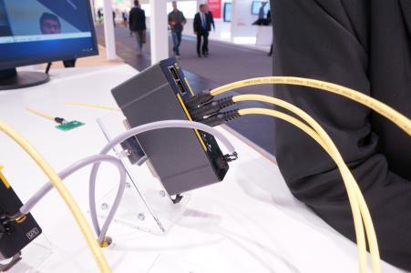 Live Videoübertragung mit ersten T1 Industrial Serienteilen und einem HARTING SPE Switch