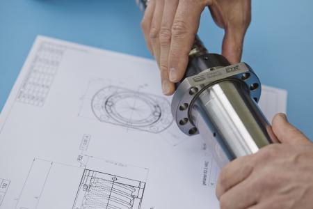 Steinmeyer hat sich auf die Entwicklung und Fertigung hochpräziser und langlebiger Kugelgewindetriebe spezialisiert und bietet ein breites Lösungsspektrum für verschiedenste Branchen
