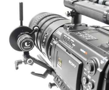 Sony PMW F3 mit Chrosziel Fluid Zoom Antrieb 102 11 und Abstandshalter EU15 82