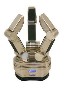 Die innovative SDH-2 von SCHUNK ermöglicht unzählige Greifvarianten. Sie verfügt über drei identische Finger, wovon sich zwei sogar drehen lassen. Taktile Sensoren sorgen zusätzlich für einen feinfühligen und zugleich sicheren Griff.