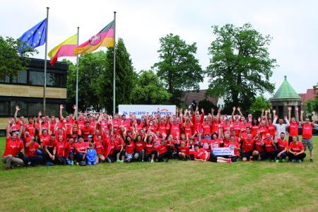 """Beste Laune beim Remmers Hasetal-Marathon des VfL Löningen. Am 23. Juni 2018 geht das Löninger """"Sommerabend-Lauffest"""" bereits in die 16. Auflage, Bildquelle: Remmers, Löningen"""