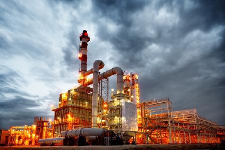 Erdöl- und Gasaufbereitungsanlage; Quelle: Depositphotos