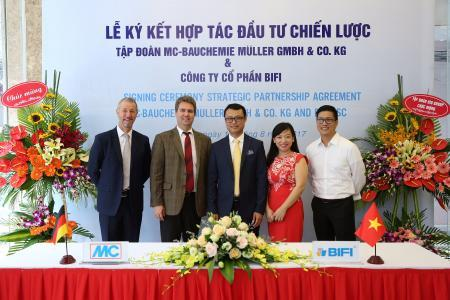 The Board of Directors of MC-BIFI Bauchemie at the contract- signing ceremony held in Hanoi in August 2017 to establish the joint venture (from left to right): Nick Varley (Regional Manager Far East at MC), Dr. Ekkehard zur Mühlen (Managing Director of MC), Ngoc Truong Vu and Thanh Ha Le (both Managing Directors of MC-BIFI) and The-Tuong Do (Business Development Manager Far East at MC)/ Photo: MC-BIFI, Vietnam