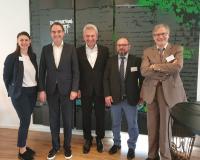 Dana Muth (Verbandsreferentin – BITMi), Dr. Oliver Grün (Präsident – BITMi), Prof. Dr. Andreas Pinkwart (NRW-Wirtschafts- und Digitalisierungsminister), Gürcan Doguc(Stützpunktleiter Kompetenzzentrum IT-Wirtschaft) und Adrian Weiler (Geschäftsführer – INFORM GmbH) (v.l)