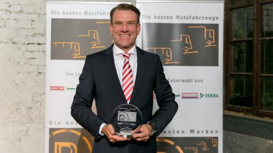"For the eleventh time in succession, Knorr-Bremse won the accolade of ""Best Brand in the Commercial Vehicle Industry"" in the ""brakes"" category. Bernd Spies, Chairman of the Management Board of Knorr-Bremse's Commercial Vehicle Systems division, stepped up to receive the award"