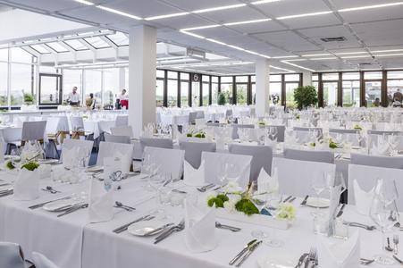 Ein Slow Food Buffet in feierlichem Rahmen rundete den ersten Tag ab.