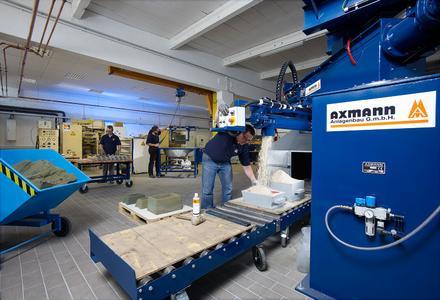 Von der Formherstellung bis zum Schmelzen und Gießen bildet das neue Technikum in Hilden alle Prozesse in einer Gießerei ab.