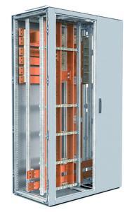 Compartmentfelder mit Verteilsammelschienensystem aus Flachkupfer und Kabeleinführungsfelder
