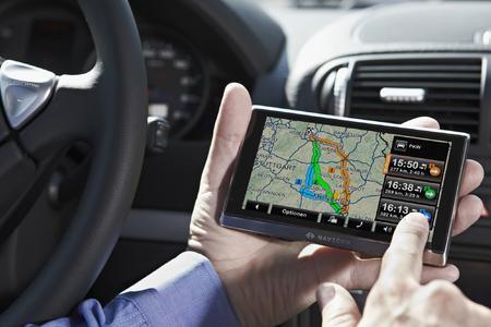 Immer ein gute Wahl: NAVIGON Lotsen empfehlen mit MyRoutes eine optimale, auf den Fahrer zugeschnittene Route - und bis zu zwei Alternativen
