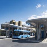 Die emissionsfreien Busse in Wuppertal werden mit Wasserstoff betrieben, der in der Schwebebahnstadt selbst, aus dem Hausmüll der Wuppertaler produziert wird.