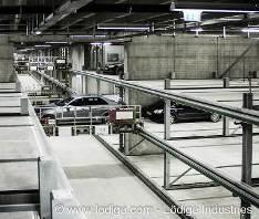 Raumsparende Lagerlogistik: Gegenüber konventionellen Parkhäusern fallen Verkehrsflächen, Fahr- und Zugangswege sowie Rampen weg