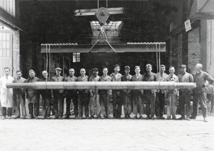1892 gründete Eduard Schürmann das Eisenwerk Coswig, das von Beginn an auf die Herstellung von Eisenbahnbedarf, Maschinenguss und Hartgusswalzen spezialisiert war. (Foto: Walzengießerei Coswig)