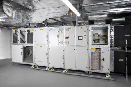 Energieeffizientes Klimagerät in der Klimazentrale