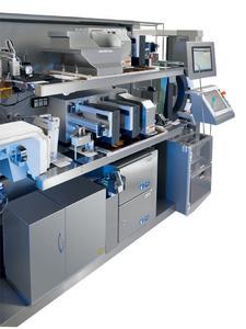 Für den zweifarbigen Kartondruck kommen zwei monochrome OMEGA 210 für rote und schwarze Kennzeichnung zum Einsatz.
