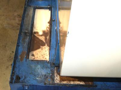 Häufig sind die KSS-Tanks schwer zugänglich und die Reinigung von Emulsion sowie Behälter sehr aufwändig
