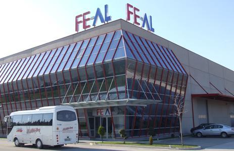 FEAL-Strangpresswerk in Mostar: Hier arbeitet eine Aluminium-Strangpresse mit 2.500 Tonnen Presskraft