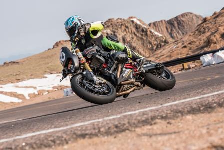 Thilo Günther on Wunderlich R 1200 R »RennR« at Pikes Peak 2017
