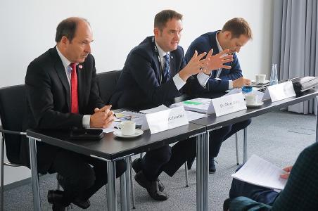 BITMi Pressekonferenz: Vizepräsident Martin Hubschneider, Präsident Dr. Oliver Grün und Generalsekretär Manuel Höferlin (v.l.)